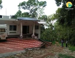 2-BR abode for backpackers amidst dense greenery in Munnar