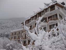Sarthak Resorts in Manali