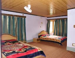 New Meghdoot Hotel in Matheran