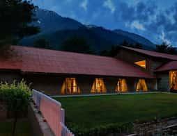 Hotel Senator Pine-n-Peak in Pahalgam