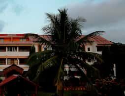 Abhishek Beach Resort and Spa in Ganpatipule