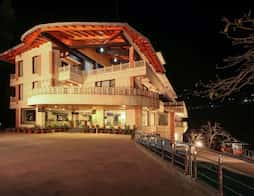Aamod Resort in Nainital