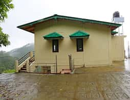 OYO 9190 1BHK Studio-Green Roof Homestay in Nainital