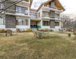 Pretty room in a cottage with a view, 800 m from Hanuman Temple in Manali