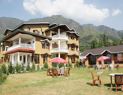 Hotel Himalayan Resort