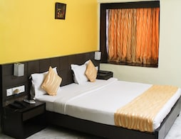 Fabhotel Arya International Elgin Road