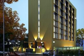 Monotel - Luxury Business Hotel
